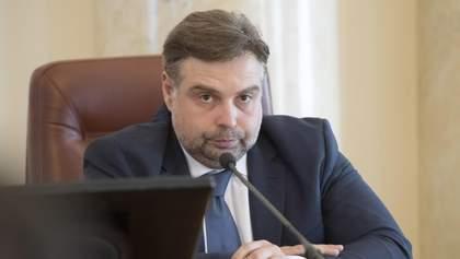 Обмеження імпорту сировини для української промисловості обвалить курс гривні, – Каленков