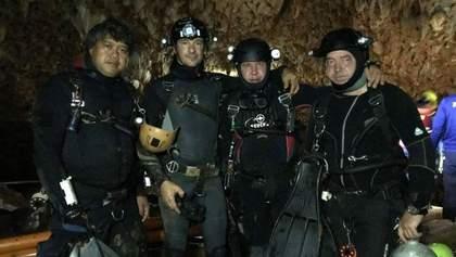 К спасению детей из пещеры в Таиланде присоединились украинцы: что о них известно