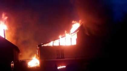 На Закарпатье горел детский сад в ромском поселении, местные утверждают, что это поджог