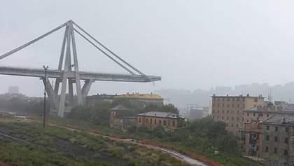 Обвал моста в Италии: очевидцы утверждают, что в него попала молния