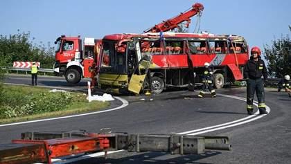 После ДТП с украинским автобусом в Польше в больницы попали 10 детей