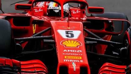 Пилоты Ferrari разместили на своих болидах надписи в память о жертвах обвала моста в Генуе