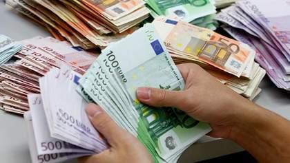 Шахраї виміняли 2 мільйони підроблених євро на біткойни