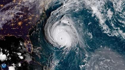 """Через потужний ураган """"Флоренс"""" у США скасували 800 рейсів"""