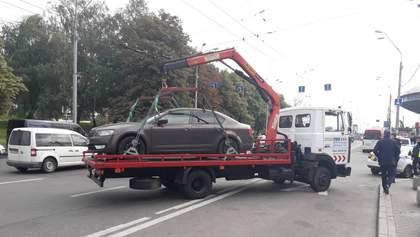 """""""Непаханое поле нарушителей"""": водители киевских авто не соблюдают новые правила парковки"""
