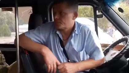 Дергал за одежду и обзывал: в Мелитополе водитель маршрутки отказался везти ветерана АТО