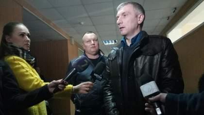 Покушение на активиста Михайлика: пулю с легких раненого будут доставать за рубежом