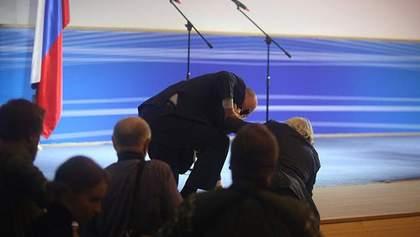 Жириновский упал прямо на сцене: курьезный момент сняли на видео