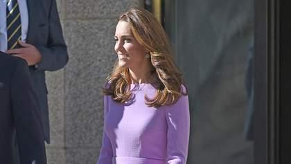 Кейт Миддлтон вышла на публику в прошлогоднем платье: сравнение образов