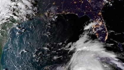 """Ураган """"Майкл"""" во Флориде унес первую жизнь: объявлено чрезвычайное положение"""