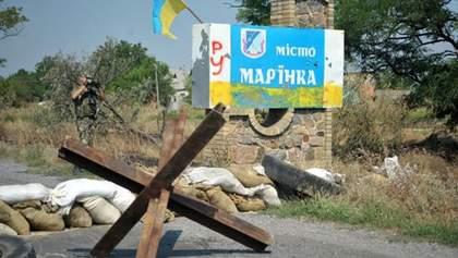 Боевики обстреляли Марьинку: ранения получил мирный житель