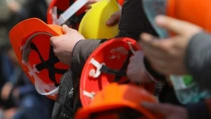 У Лисичанську 12 день страйкуть шахтарі під землею