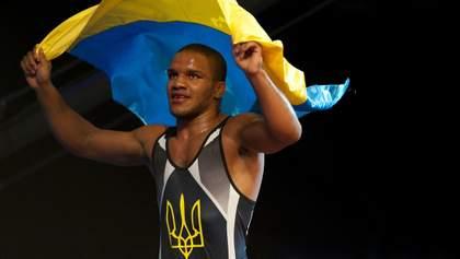 Зірковий український спортсмен показав квартиру, яку отримав за олімпійську медаль: фото