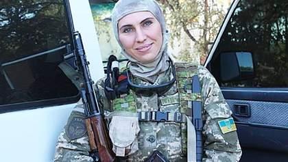 Рік тому вбили Аміну Окуєву: з'явилося фото незвичайної могили доброволиці