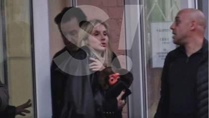Лидер Rammstein лично приехал на выписку Светланы Лободы из больницы: редкие фото