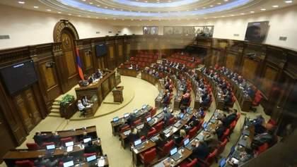 Президент Армении распустил парламент страны: известна дата досрочных выборов