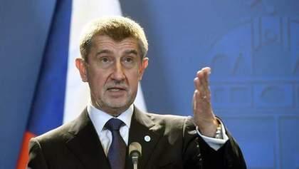 Он психически болен! – премьер Чехии возразил, что насильно отправил сына в оккупированный Крым
