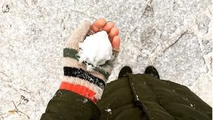 В Киеве выпал первый снег: фото и видео