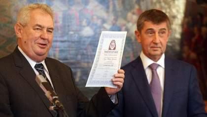 Президент Чехии обещает вернуть скандального премьера в случае отставки