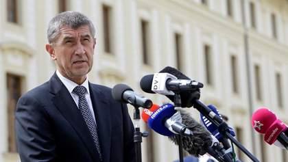 Премьер Чехии после громкого скандала не собирается уходить в отставку