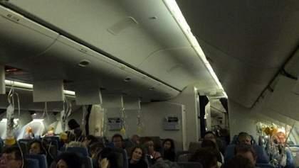 Сінгапурський Boeing 777 повернувся в аеропорт після падіння тиску на борту