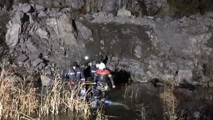 В Кременчуге спасли подростка, который упал в 150-метровый карьер