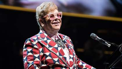 Элтон Джон отменил концерт во Флориде уже после того, как он начался: детали