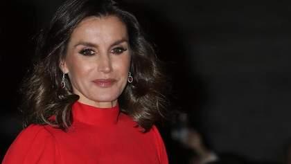 Королева Летиция в платье свекрови посетила модное мероприятие: яркое сравнение