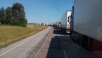Від гігієнічних прокладок до вина та тракторів: імпорт яких товарів з України заборонила Росія