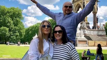 Онука Cофії Ротару поділилась сімейними знімками з відпочинку у Лондоні: зворушливі фото
