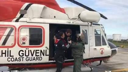 Недалеко от Турции затонуло судно с украинцами на борту: фото и видео спасательной операции
