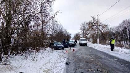 В ДТП с рейсовым автобусом в Донецкой области погибли 3 человека: фото с места происшествия