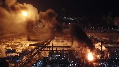 """""""Не довіряємо"""": люди в паніці через пожежу на хімзаводі у Калуші"""