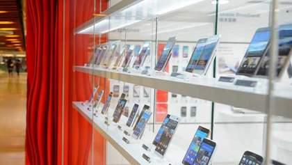 Какой смартфон можно считать лучшим устройством месяца (опрос)