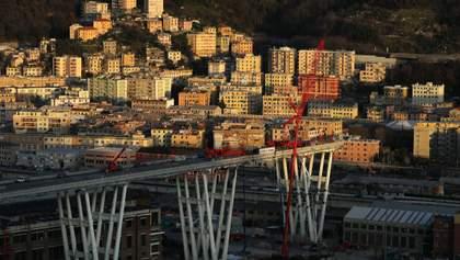 Обвал моста в Генуе: смертоносную переправу начали сносить (фото)