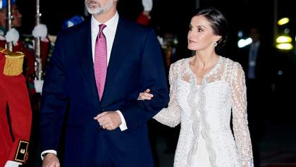 Розкішна та елегантна: королева Іспанії продемонструвала два стильних образи