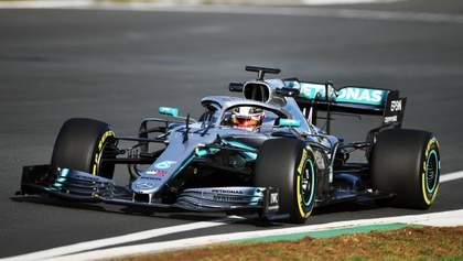Хемілтон вперше випробував новий болід Mercedes для Формули-1: яскраве відео