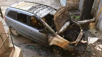 В Одесі спалили автомобіль активіста Олександра Бабича
