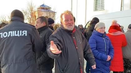 Даю час и всех буду расстреливать – на Волыни священник УПЦ МП открыл огонь по прихожанам