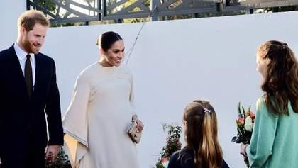 Беременная Меган Маркл в роскошном платье пришла на торжественный прием: фото