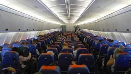 Пакистан тимчасово відкрив повітряний простір для комерційних рейсів