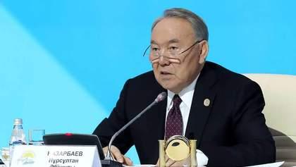 Назарбаев перед отставкой звонил президентам пяти стран