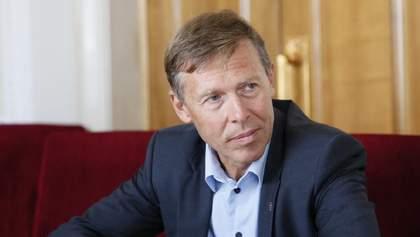 Порошенко виводить з-під санкцій бізнес оточення Путіна, – Сергій Соболєв