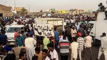 В Судане устроили военный переворот: президент ушел в отставку