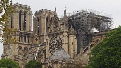 Пожежа у Нотр-Дамі: ще три елементи собору можуть обвалитися