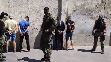 """Бунт в колонії Одеси влаштували за вказівкою """"злодіїв в законі"""", – Аброськін"""