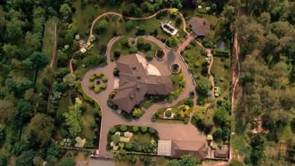 Розкішні будинки на державних землях: як чиновники захоплюють території Пущі-Водиці
