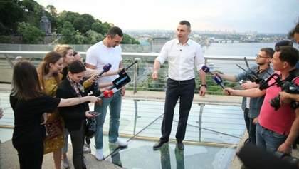 """""""Міст Кличка"""" став символом зловживань та розрухи, – Лещенко"""