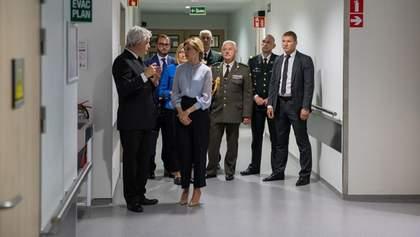 Дружина Зеленського відвідала українських військових у Брюсселі – фото