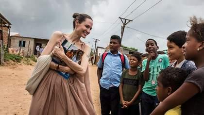 Анджеліна Джолі побувала у таборі біженців Венесуели: промовисті фото